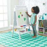 KidKraft 62040 Chevalet d'artiste enfant en bois Deluxe avec rouleau de papier, incluant 2 pots à peinture refermables - coloris blanc de la marque KidKraft image 3 produit