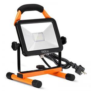 Projecteur de Chantier, lampe de travail Tacklife LWL1A, projecteur LED rotatif et portable avec support de 20W 1620LM, câble de 2 m, IP65, idéal pour une utilisation en extérieur et en intérieur de la marque TACKLIFE image 0 produit