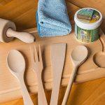 Uulki Entretien Naturel du Bois (250 ML) – 100% à Base de Plantes/Vegan – Huile et Cire 2 en 1 pour Planches à découper, Billot Bloc de Boucher, Plans de Travail, Tables, ustensiles de Cuisine de la marque Uulki image 4 produit